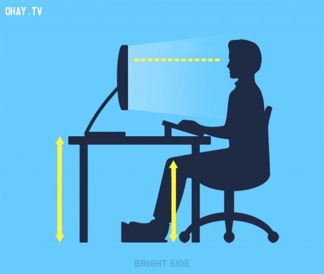 2. Sắp xếp chỗ làm việc hợp lý ,mẹo hay,ngồi thẳng lưng,tư thế thẳng lưng,tư thế xấu,tư thế đẹp