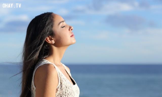5. Học thở đúng cách ,mẹo hay,ngồi thẳng lưng,tư thế thẳng lưng,tư thế xấu,tư thế đẹp