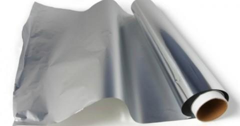 Dùng mặt nào của giấy bạc là đúng?