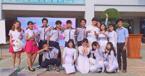 Quang Đăng về trường chia sẻ quyết định đổi nghề của mình