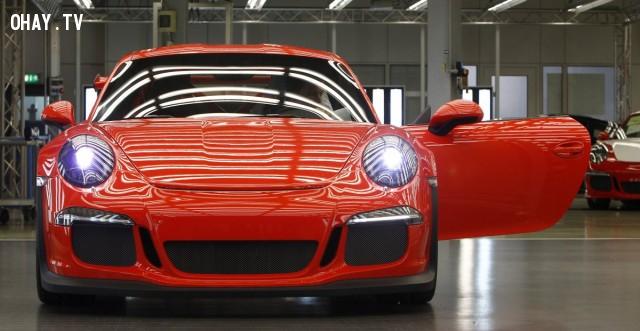 2. Porsche 911 ,giải mã logo,câu chuyện thương hiệu,những điều thú vị trong cuộc sống