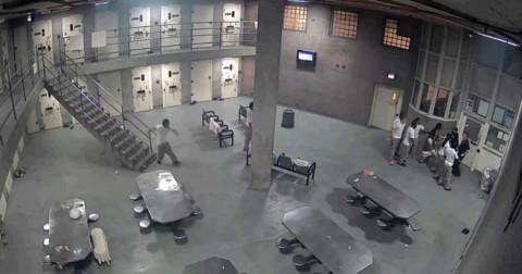 Phạm nhân tấn công quản ngục trong nhà tù siêu an ninh ở Mỹ