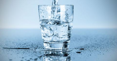 Bạn đã biết uống nước đúng cách chưa? Hãy nghe lời khuyên của các chuyên gia!