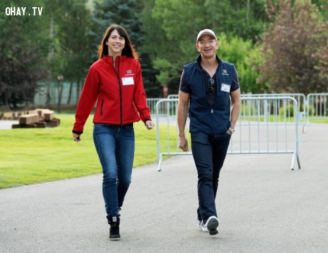 Jeff và MacKenzie Bezos,vợ của các tỷ phú,phụ nữ,doanh nhân,tài sản
