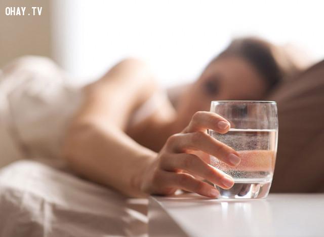 BỮA SÁNG:,uống nước đúng cách