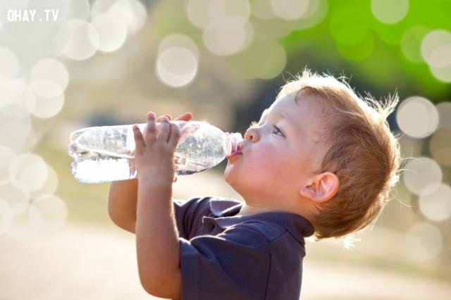 Uống quá nhiều nước,thói quen xấu,thói quen không tốt cho sức khỏe