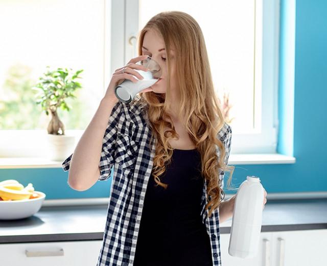 Uống sữa tách chất béo,thói quen xấu,thói quen không tốt cho sức khỏe