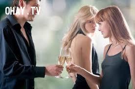 Dấu hiệu của đàn ông trót ngoại tình nhưng vẫn yêu vợ,