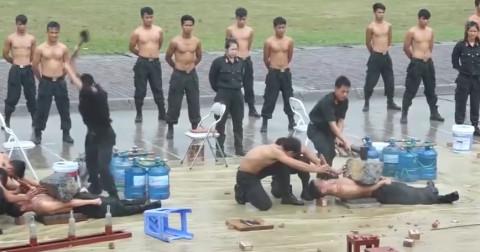 Đặc nhiệm Việt Nam trình diễn khí công cực kỳ ấn tượng