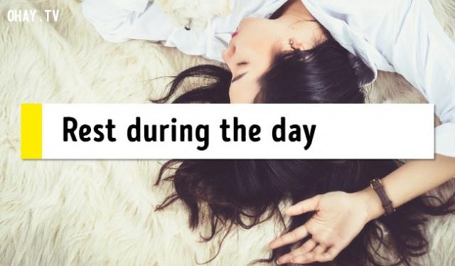 14. Nghỉ ngơi trong ngày,mẹo sức khỏe,chữa mất ngủ,trị mất ngủ