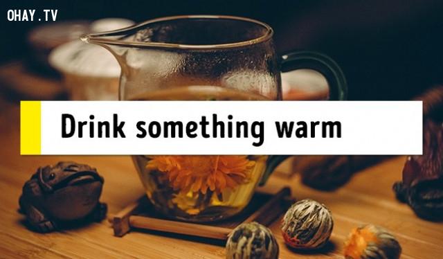 4. Uống gì đó ấm trước khi ngủ,mẹo sức khỏe,chữa mất ngủ,trị mất ngủ