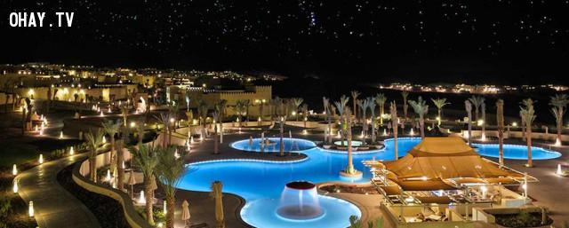 Qasr Al Sarab by Anantara, Abu Dhabi,