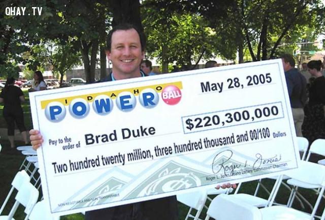 Brad Duke, người đàn ông tham vọng - 220 triệu bảng Anh,