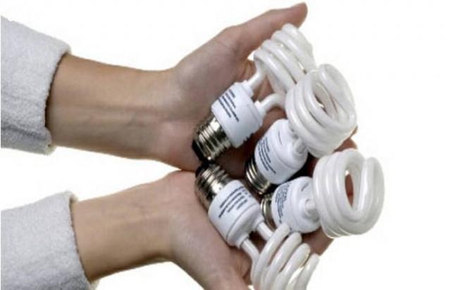 1. Hạn chế sử dụng nhiều thiết bị điện,mùa hè,dọn dẹp nhà cửa