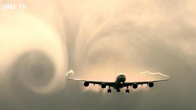 Sự rối loạn trong việc thay đổi áp suất và dòng khí có thể cực kỳ nguy hiểm nếu bạn đang ở trong máy bay, nhưng nó gần như không thể khiến máy bay rơi,ngành hàng không,tiếp viên hàng không,đi máy bay