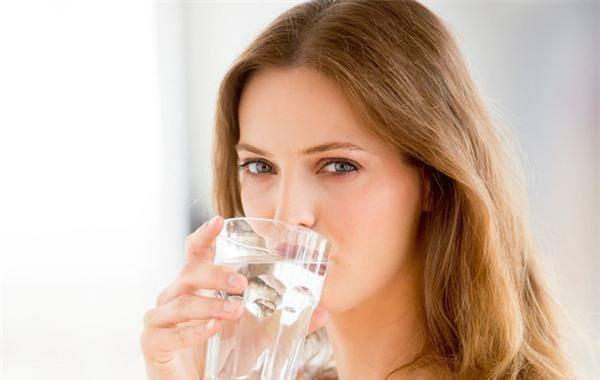 1. Bổ sung nhiều nước cho cơ thể,giải nhiệt,mùa hè