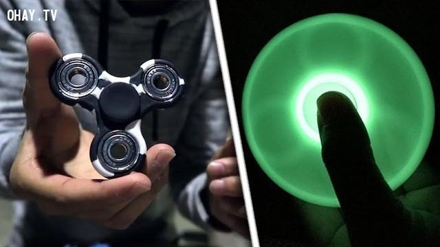 Những cách chơi fidget spinner bá đạo nhất