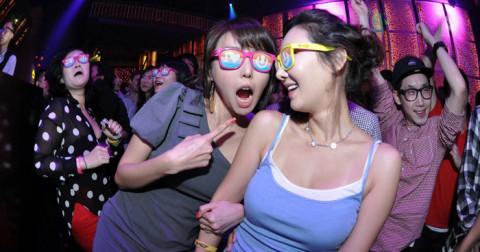 10 kiểu con gái hay gặp ở quán bar