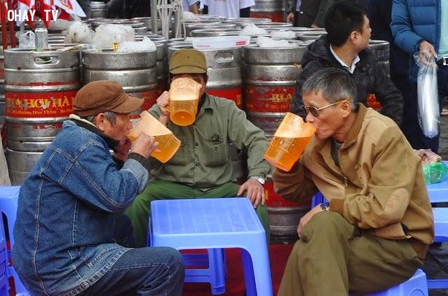 3 tỉ lít bia,người việt,ăn thịt chó,uống bia,ấn đền trần,đặng hoàng giang,bức xúc không làm ta vô can