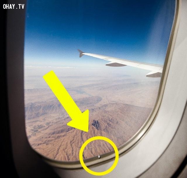 Lỗ hổng trong cửa sổ,máy bay,ngành hàng không,những điều thú vị trong cuộc sống