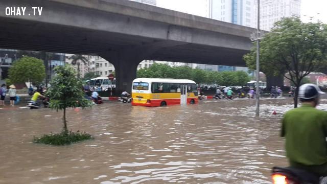 4. Trận đại hồng thủy ở miền Trung tháng 11/1999,lũ lụt,thiên tai,bão lụt