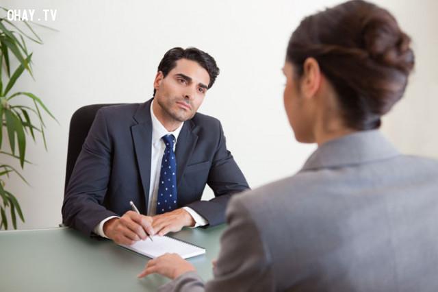 Giữ ấn tượng tốt sau khi đứng dậy,phỏng vấn,tìm việc làm