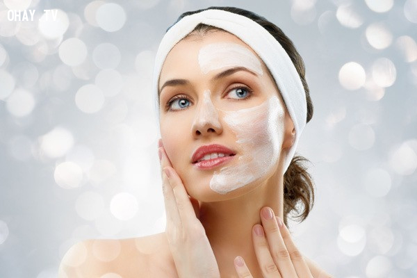 Sử dụng sữa rửa mặt và tẩy da chết,cách làm trắng da mặt,làm đẹp da mặt,cách làm đẹp da,chống lão hóa da,chăm sóc da