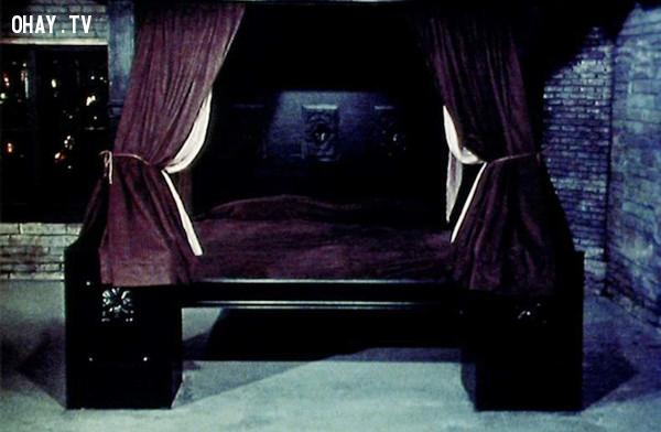 Death Bed: The Bed That Eats - Giường ngủ,phim kinh dị,ám ảnh kinh hoàng,ma quỷ