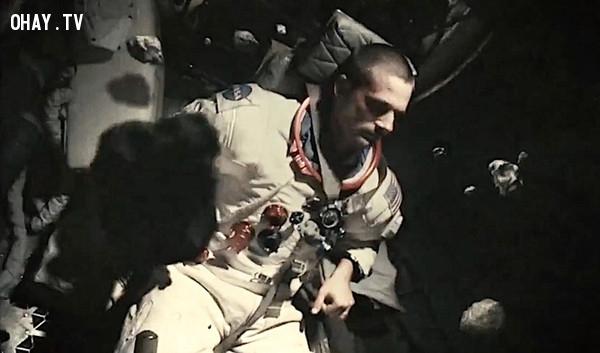 Apollo 18 - Những viên đá,phim kinh dị,ám ảnh kinh hoàng,ma quỷ