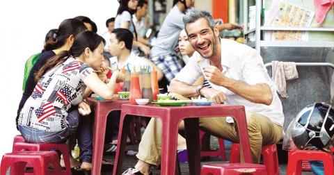 Bí quyết ăn lành mạnh cho những ai thường xuyên ăn ngoài