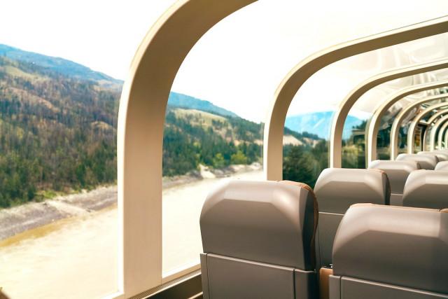 7, Tại Canada: Chuyến tàu Rocky Mountaineer,tàu hỏa cao cấp,tàu du lịch,du lịch bằng tàu hỏa,tàu hỏa sang trọng
