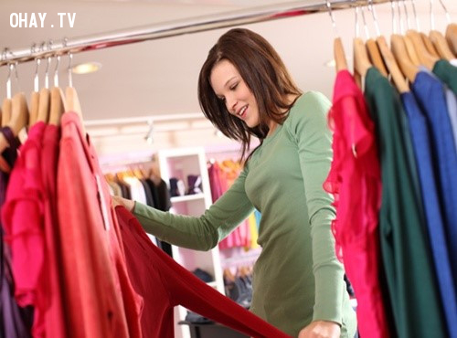 1. Khéo léo đưa thêm lựa chọn cho khách hàng ,bán quần áo,bán hàng online,kỹ năng bán hàng