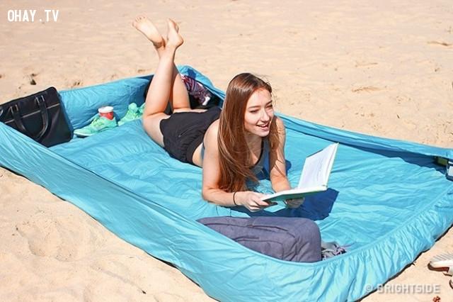 8. Giường tắm nắng không có cát,mẹo du lịch,du lịch hè,du lịch biển