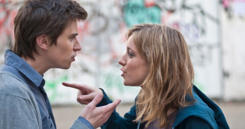 7 dấu hiệu nguy hiểm làm rạn nứt tình yêu của bạn