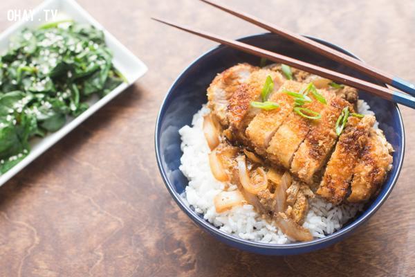 Katsudon,ẩm thực đại chúng,ẩm thực nhật bản,du lịch nhật bản,văn hóa nhật bản