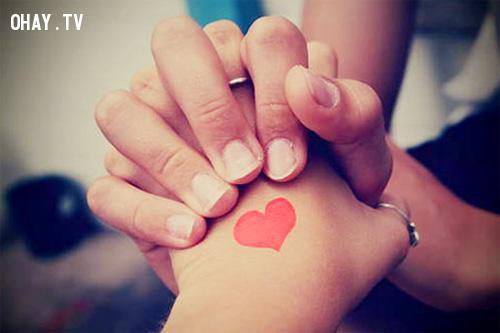 4. Đừng trao yêu thương vội,tình yêu