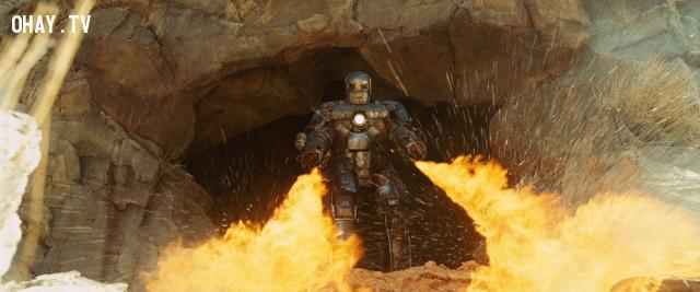 6. Tony Stark trốn thoát khỏi nhà tù trong hang ( Iron Man ),phim marvel