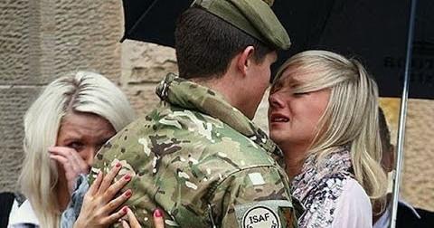 Video cảm động về những người lính khi họ trở về nhà