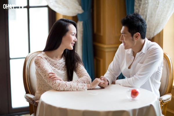 5. Bạn có cảm giác rằng bạn và người ấy sinh ra là để dành cho nhau.,