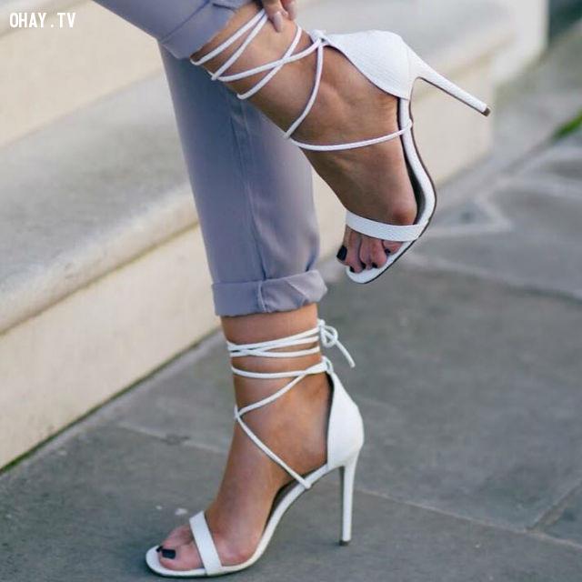 ,giày cao gót,giày tăng chiều cao,cô nàng nấm lùn
