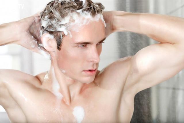 1. Ăn no không gội đầu, đói không tắm. Rửa mặt nước lạnh, vừa đẹp vừa khỏe. Mồ hôi chưa khô, đừng tắm nước lạnh. Đánh răng nước ấm, chống ê chắc răng.,bí quyết sống khỏe,người xưa