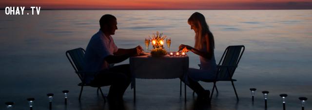 ,bữa tối yên lặng,tình yêu,smartphone,bữa tối