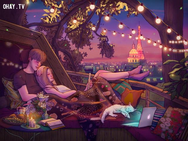 #1 Đơn giản chỉ cần ngồi thư giãn bên nhau sau khi xem xong một chương trình hay,