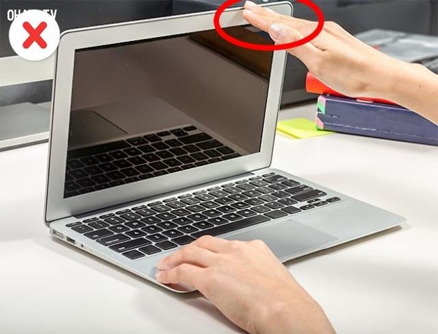 5. Đóng và mở máy nhẹ nhàng,mẹo công nghệ,máy tính xách tay,laptop