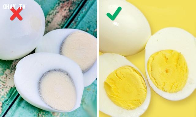 12. Luộc trứng quá kỹ,sai lầm khi nấu ăn,cách rán thịt giòn,làm nóng chảo trước khi nấu