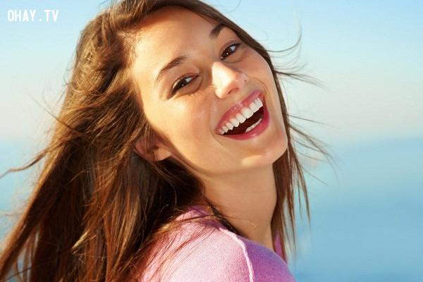 8. Cười tăng cường tâm trạng và sự tự tin,lợi ích của nụ cười,tại sao nên cười nhiều,cười có lợi cho sức khỏe