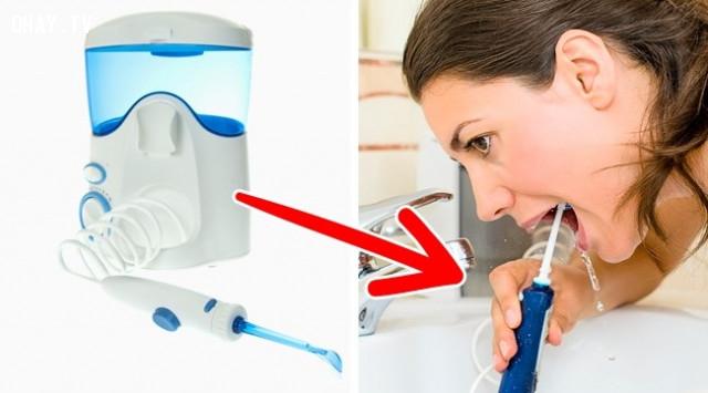3. Không dùng các sản phẩm làm sạch răng khác,chăm sóc răng miệng,sai lầm nên tránh,chải răng quá mạnh,đánh răng đúng cách,lấy cao răng,chỉ nhai bằng một bên hàm