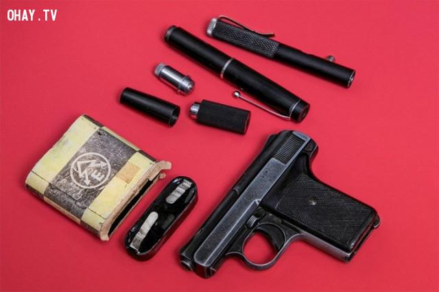 ,vũ khí,phản gián liên xô,thiết bị tình báo,tình báo phương tây,đặc vụ tình báo