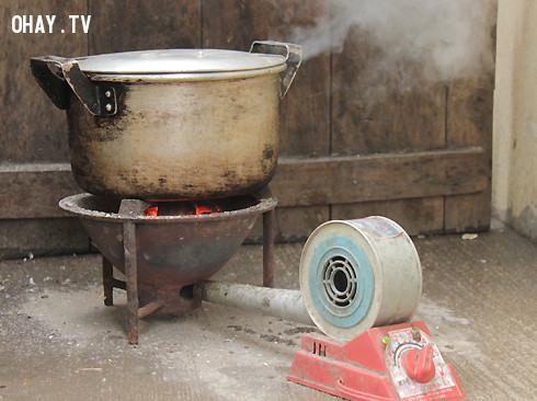 16. Bếp than,thế hệ 9x