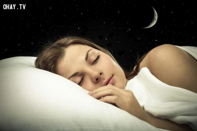 Ngủ đủ giấc,mẹo sức khỏe,mùa thu,cảm cúm